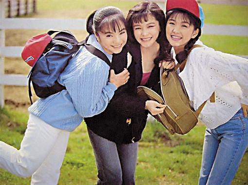 少女隊,由徐若瑄、吳佩瑜、王思涵在1991年組成,12月推出首張專輯《我的心要去旅行》,發完第2張專輯後於1993年解散。