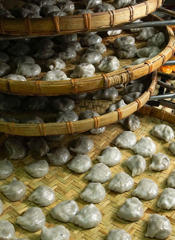 萬川號的「台灣水晶餃」皮略有厚度,滋味偏甜,是許多老台南人的下午茶點心。(20元/顆)