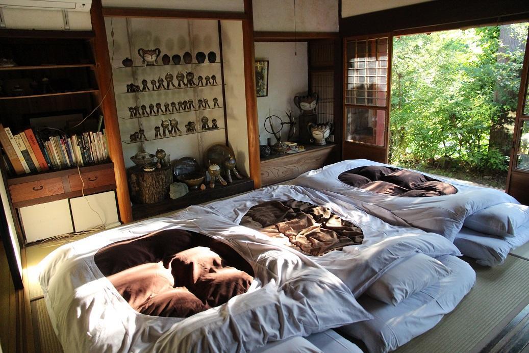 這晚我們一行3人共同入住,房間最多大約僅能住4人。
