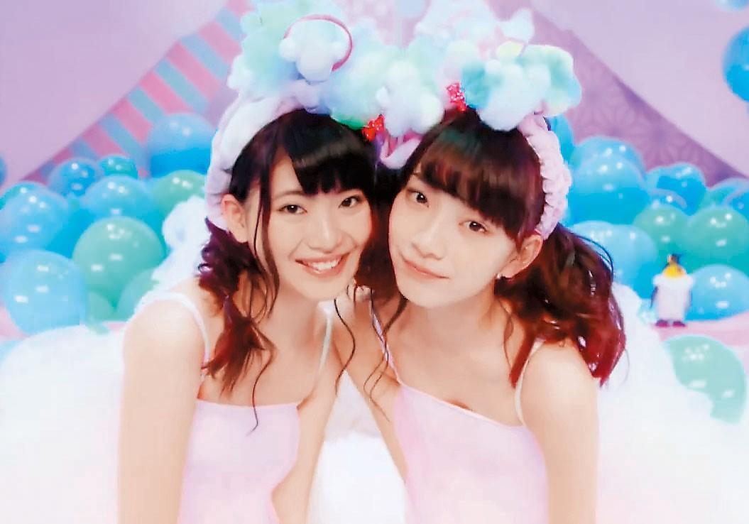 〈一談戀愛變傻瓜〉是馬嘉伶(左)加入AKB48 TeamB第一首作品。(翻攝自MV畫面)