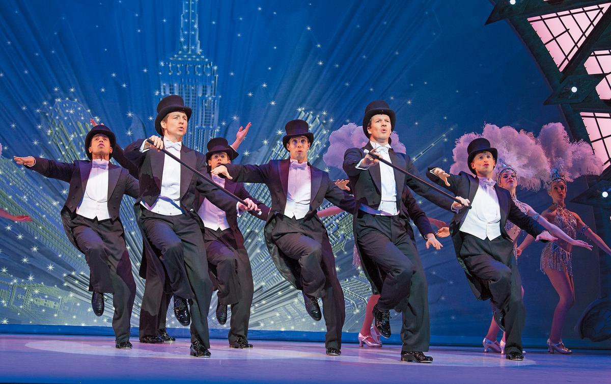 鐘麗芳2014年投資的《花都舞影》不但獲四項東尼獎,還曾在百老匯創下新台幣4200萬週票房紀錄。(東方IC)