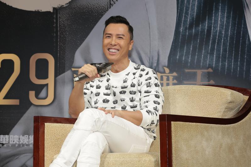甄子丹來台宣傳《追龍》,行程滿檔,27日出席電影記者會活動。