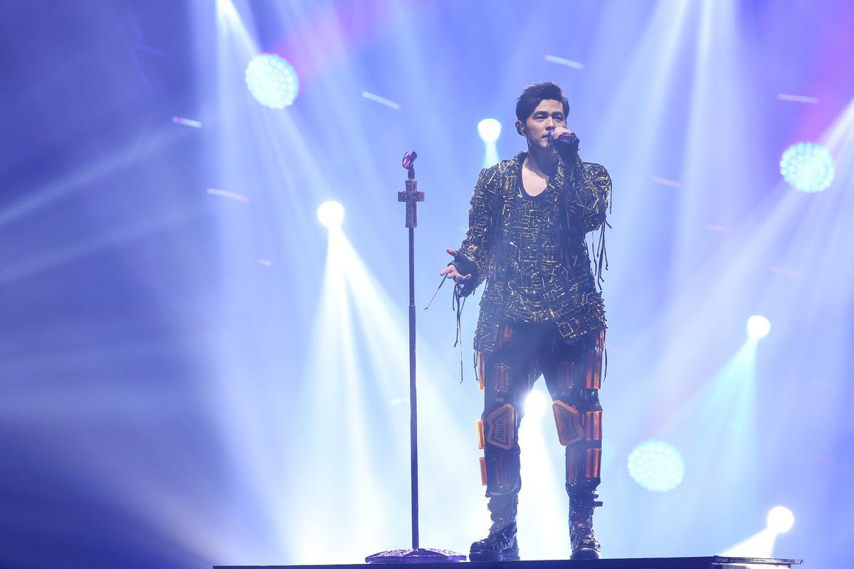 周杰倫在台北小巨蛋連開4場「地表最強」演唱會,砸下1.8億台幣製作成本打造。