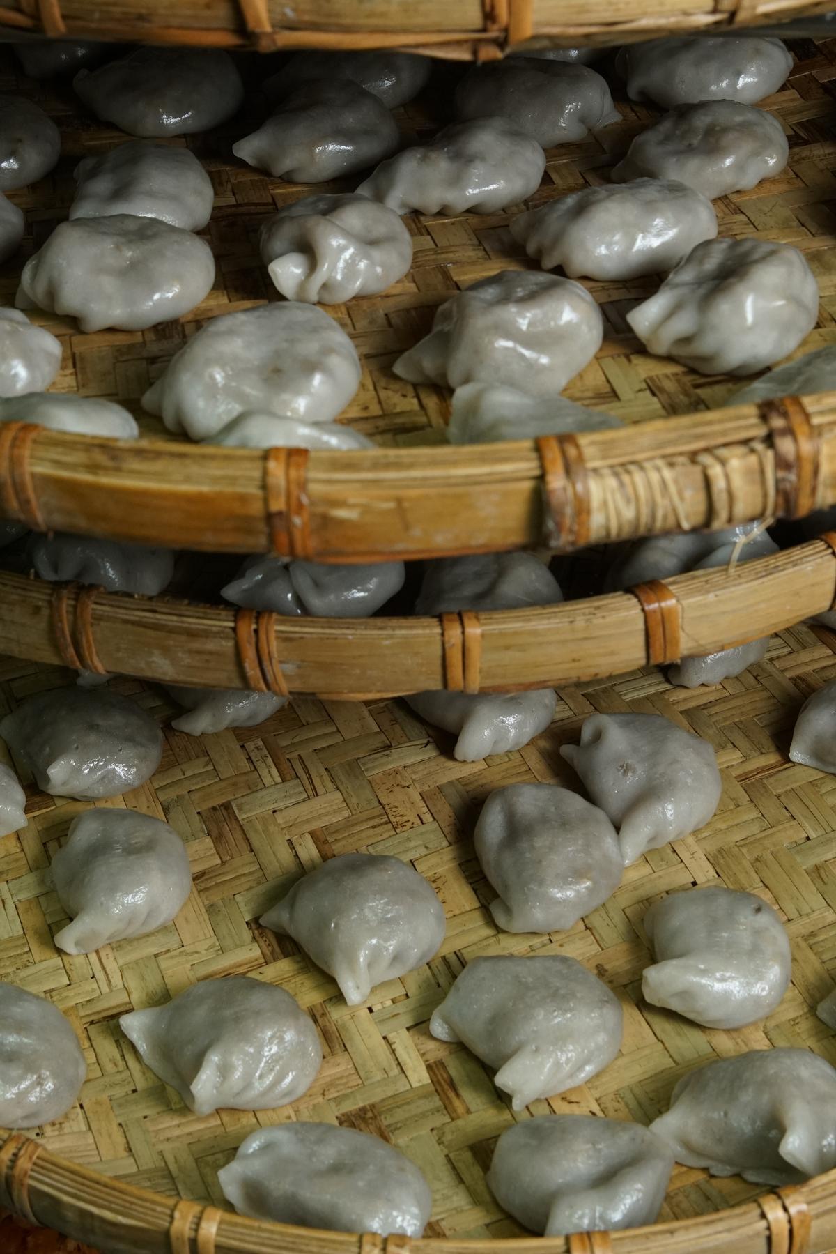 「台灣水晶餃」皮略有厚度,滋味偏甜,是許多老台南人的下午茶點心。(20元/1顆)