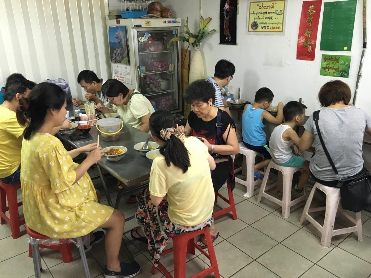 早上接近10點到店裡用餐,客人就相當多。