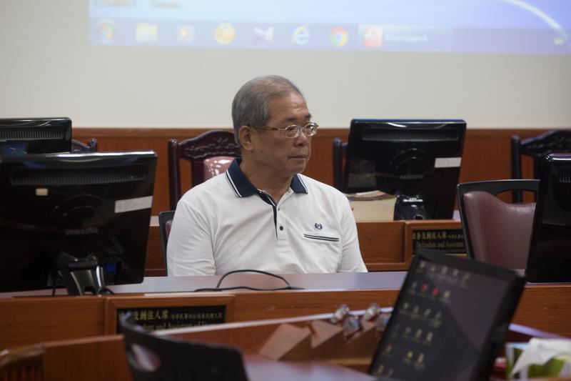 高檢署目前已提出抗告,高院暫無法開庭審理蘇炳坤案,要等最高法院駁回檢方抗告,全案才能正式進行再審。