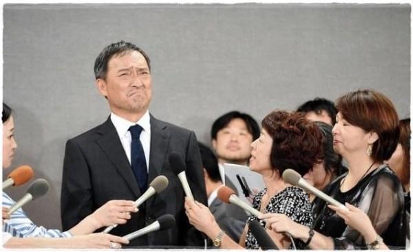 今年7月,渡邊謙閃電召開記者會,承認3月跟酒店女人爆出的不倫事實。