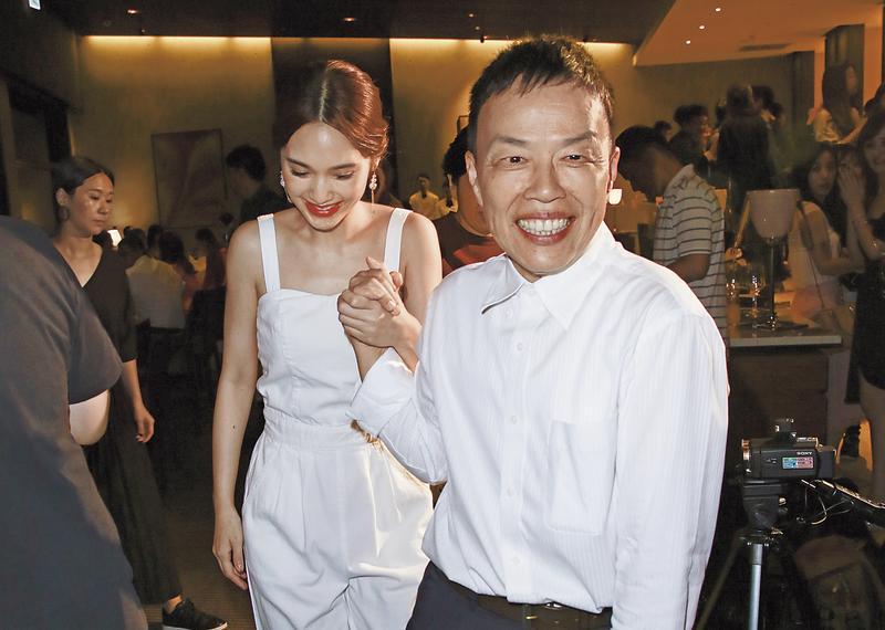 王小棣(前)與楊丞琳(後)在《荼靡》首度合作,他誇楊丞琳演技精湛,少有NG。