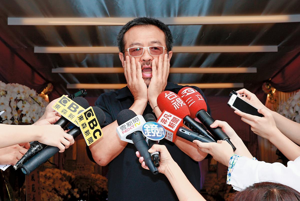 謝金燕同父異母的哥哥謝順福,多次明示及暗示球球所為已經破壞豬家內部的感情。