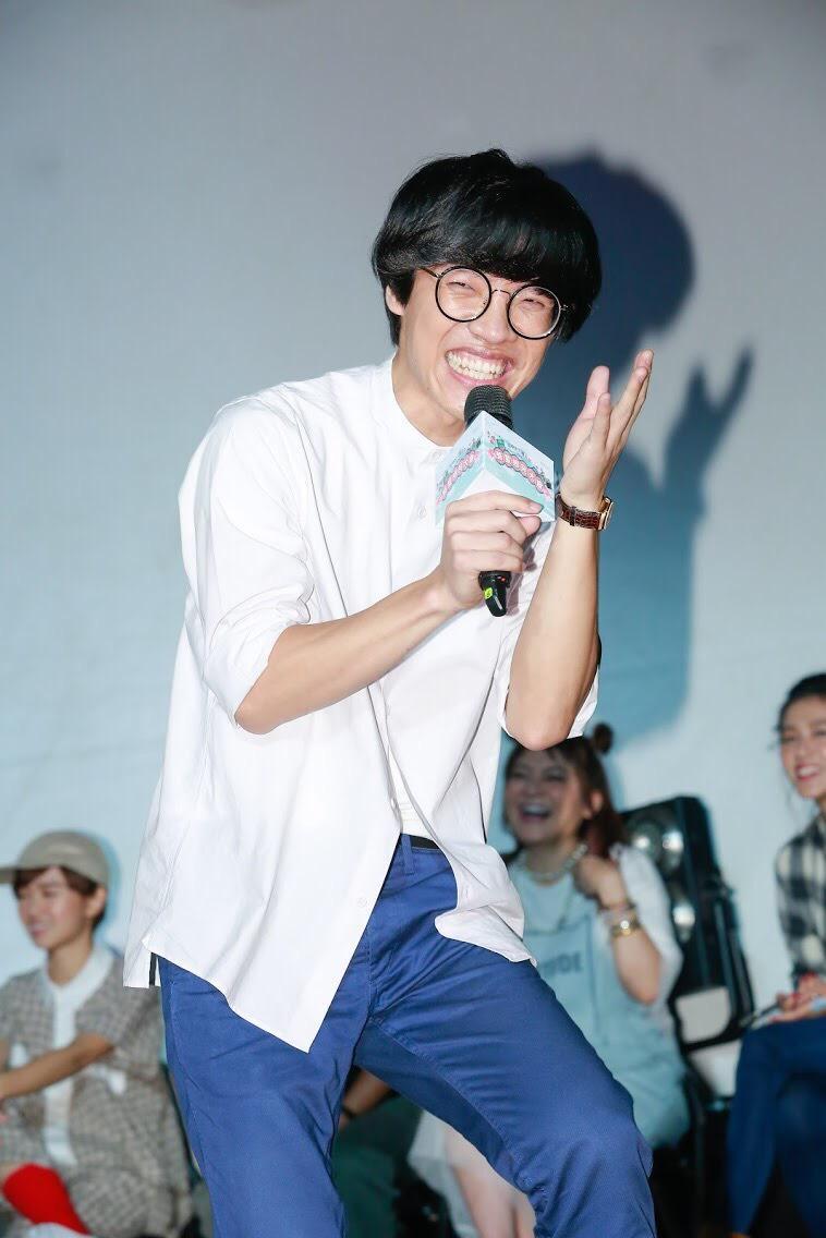 盧廣仲以新人之姿就有優異表現,粉絲會現場他依然以一貫笑容流露著獨特傻氣。