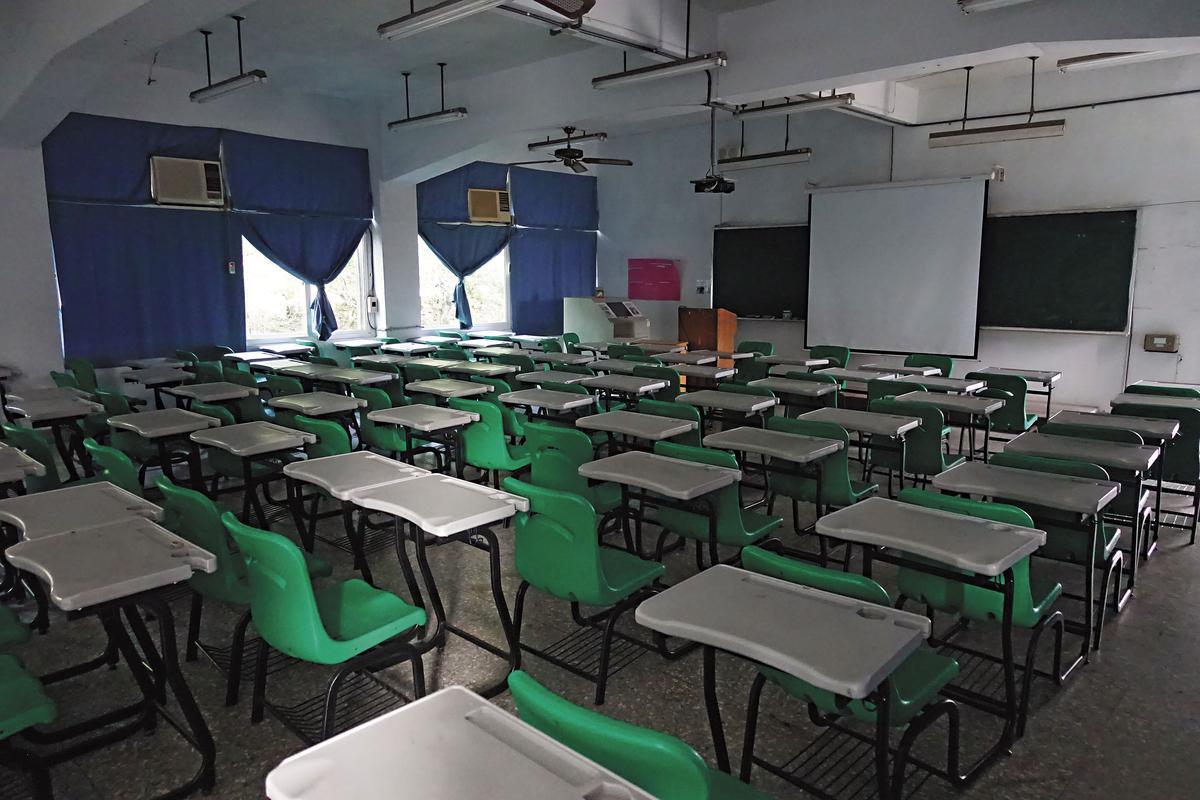 曾經學生人數高達1萬2千人的亞太技術學院,如今多數教室空無一人。