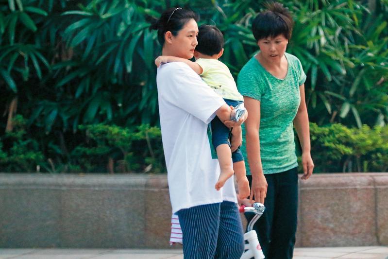 大S照顧一對子女,加上S HOTEL的財務重擔,她看來一臉憔悴。