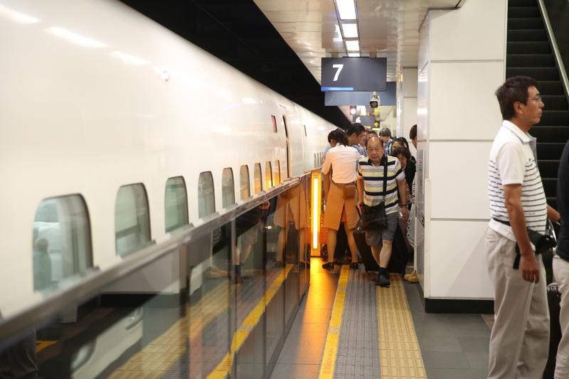 今年台灣高鐵邁入通車10週年,卻驚傳內部有狼主管不斷對女員工和護理師伸出狼爪。