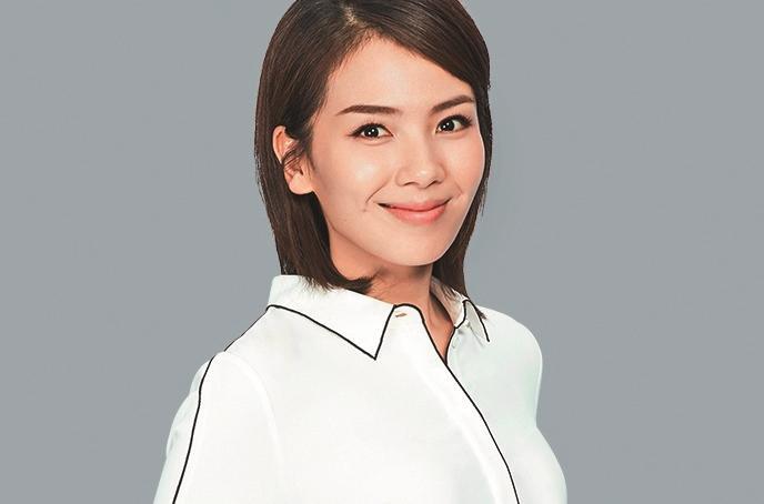 中國女星劉濤和王珂相識20天閃婚,金融海嘯狂賠人民幣4億元(約新台幣18億元),劉濤為還債,4年拍25部戲,接綜藝加代言共賺人民幣38億元(約新台幣175.8億元)。