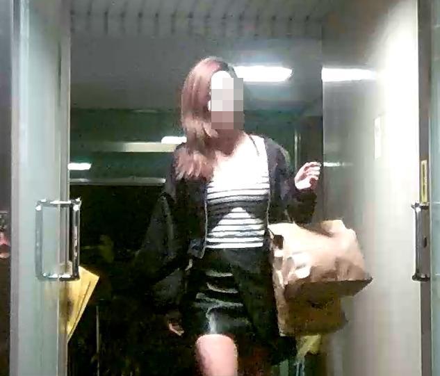 OLA旗下小姐個個長相甜美、身材婀娜多姿,完全不輸職業模特兒。