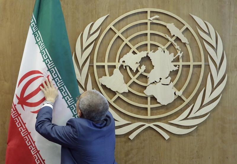 2017年9月18日,紐約聯合國總部,聯合國秘書長古特雷斯準備迎接伊朗總統羅哈尼。(東方IC)