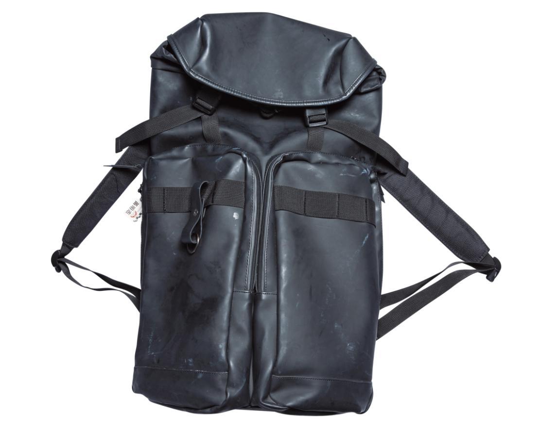 購於誠品的後背包。約NT$4,600