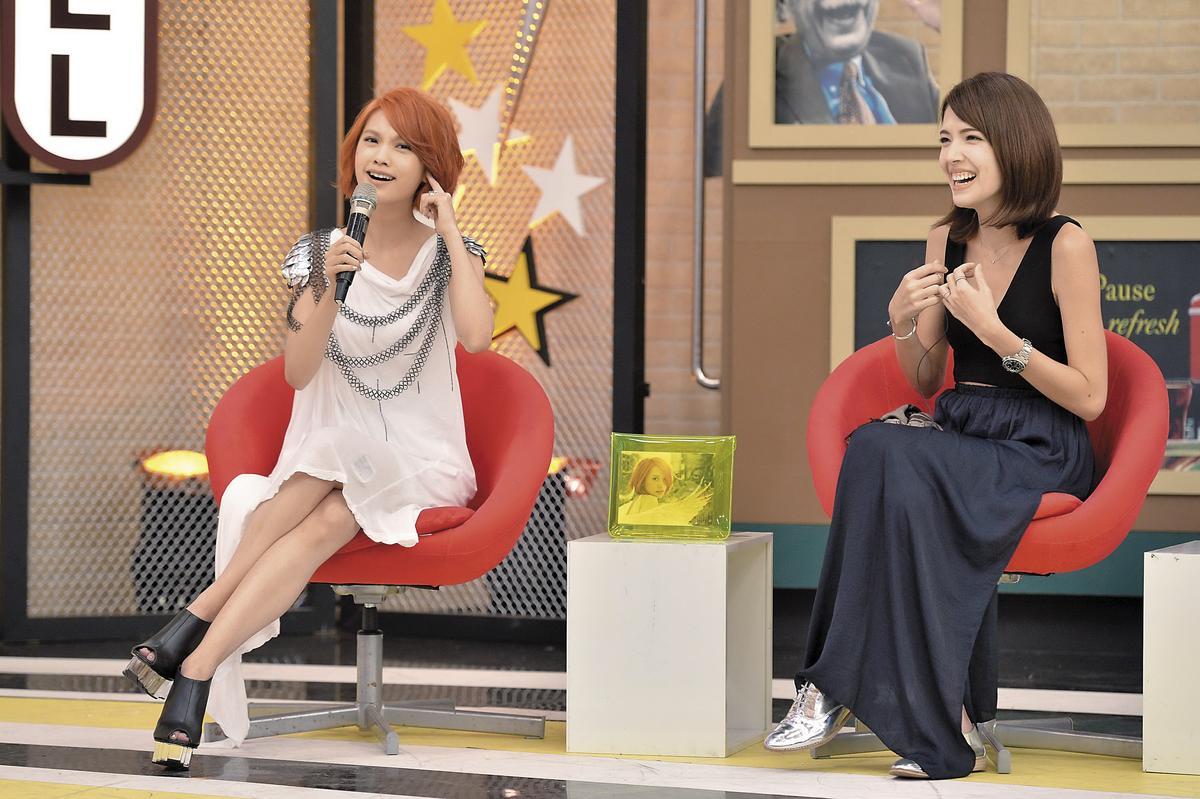 許瑋甯(右)雖然跟楊丞琳(左)是十多年的同學、朋友,但《紅衣小女孩2》報名女主角時,棄許選楊,但楊並未入圍。(三立提供)