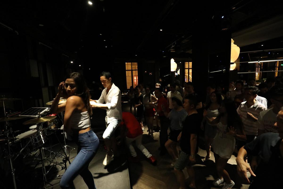 每週二是Salsa Night,其他還有巴西、熱帶電音、Funky、南美拉丁等各種主題,盡皆熱情奔放。