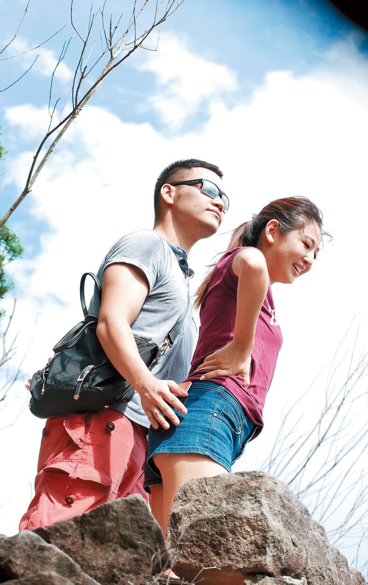 趙筱葳離婚一年後,終於有了高壯男新歡,兩人還一起爬山。