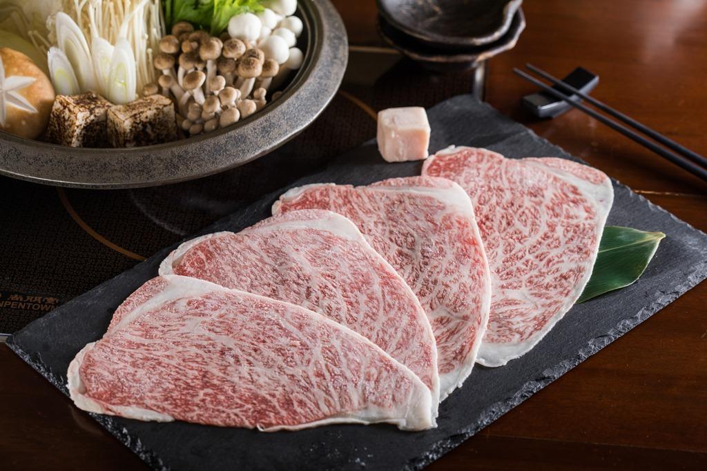 相較有如奶油的沙朗,臀肉的筋紋明顯,較能滿足咀嚼時的口感。(2,900元/份)