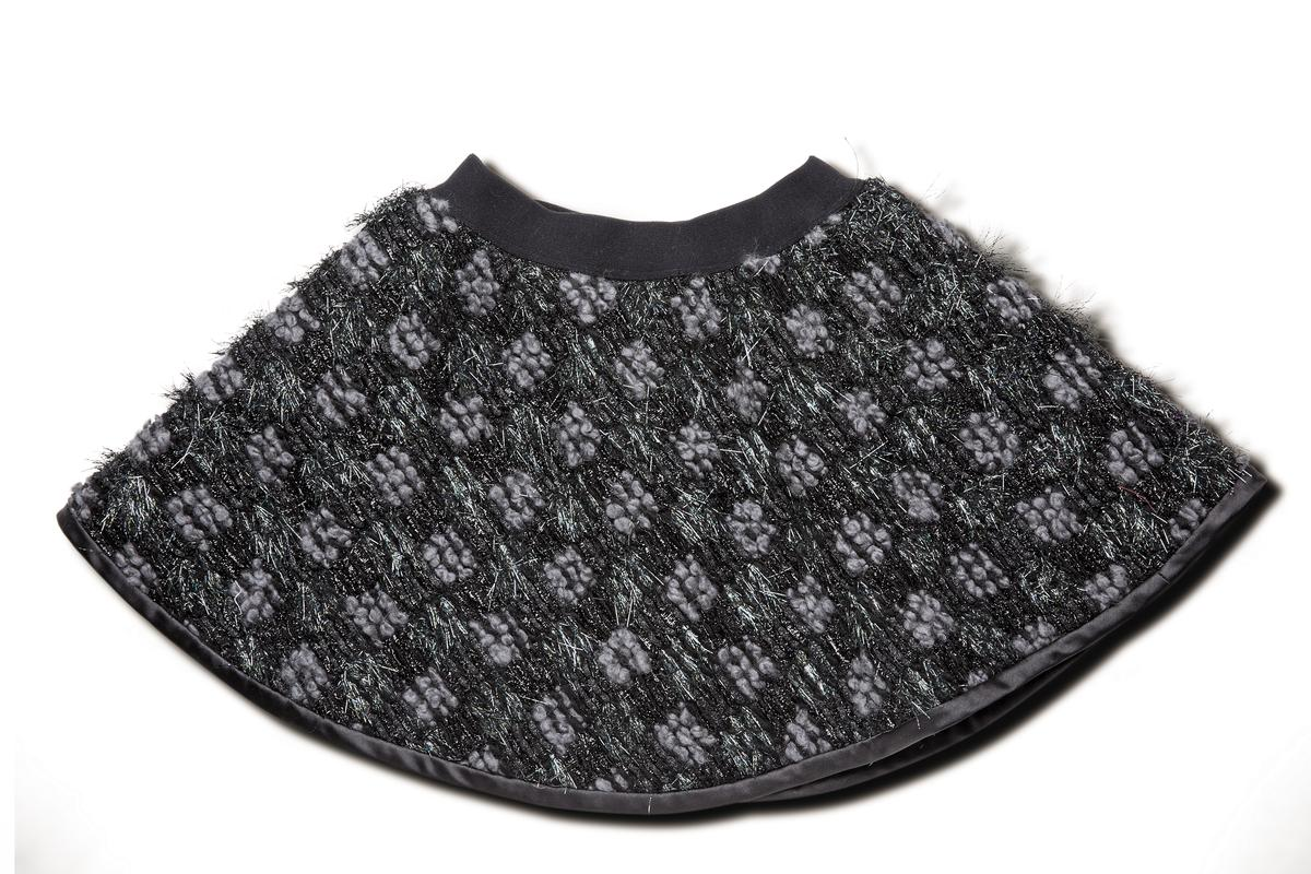 Elizabeth斜紋軟呢圓裙。NT$3,200。