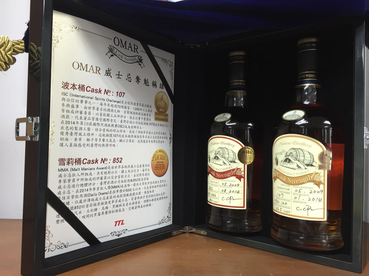 這2款是前廠長潘結昌的傑作,右為獲2014年ISC金牌的波本桶原酒,左是2014年麥芽狂人MMA的最佳日常飲用酒。