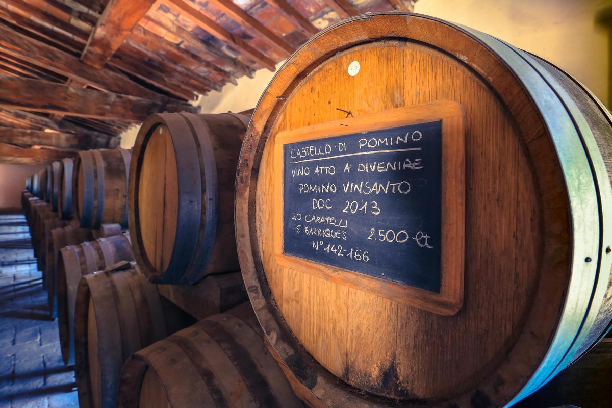 「聖酒」Vinsanto在自然通風的閣樓陳放四至七年才裝瓶,完全不做溫控。