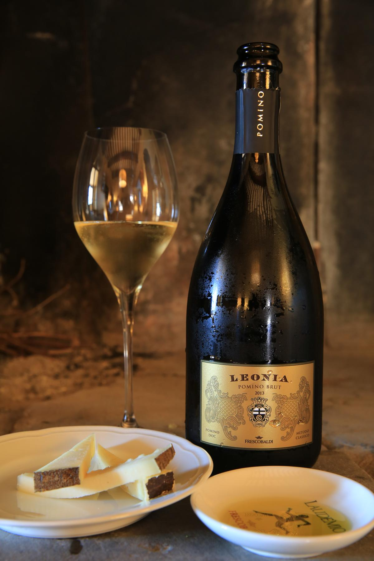 「Leonia Pomino Brut」氣泡酒是以Chardonnay與Pinot Noir發酵28個月釀製而成,口感清爽。