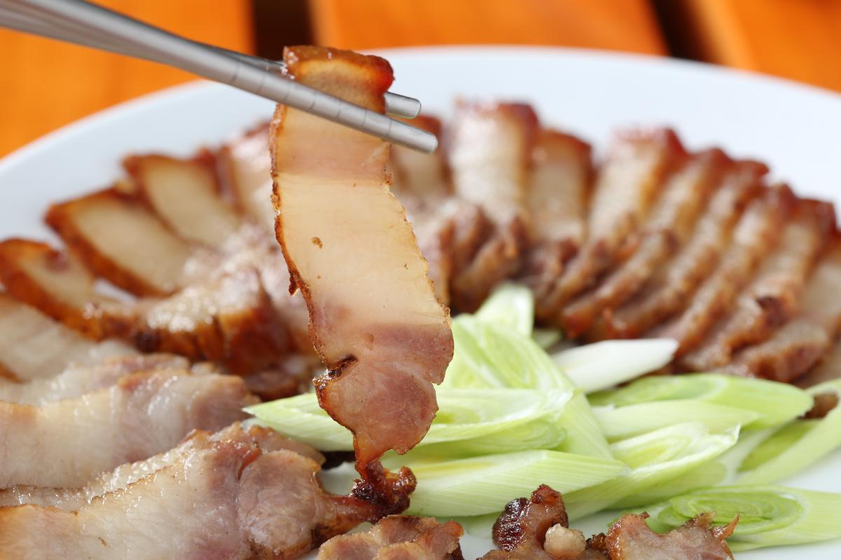 「鹹豬肉」為自家親戚所醃製,不油膩、不死鹹。(200元/份)