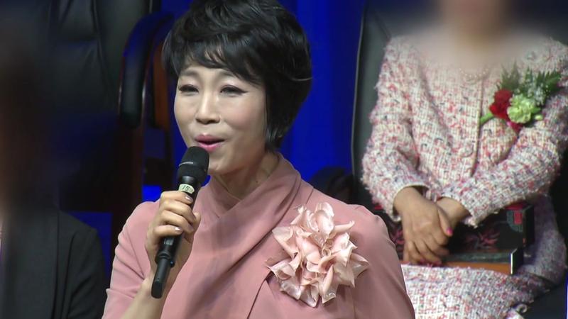 同公司女後輩求援遇到性騷擾,韓國實力派歌手文喜玉卻叫她不要聲張,被韓國網友狂罵:「是瘋了吧,真失望」。
