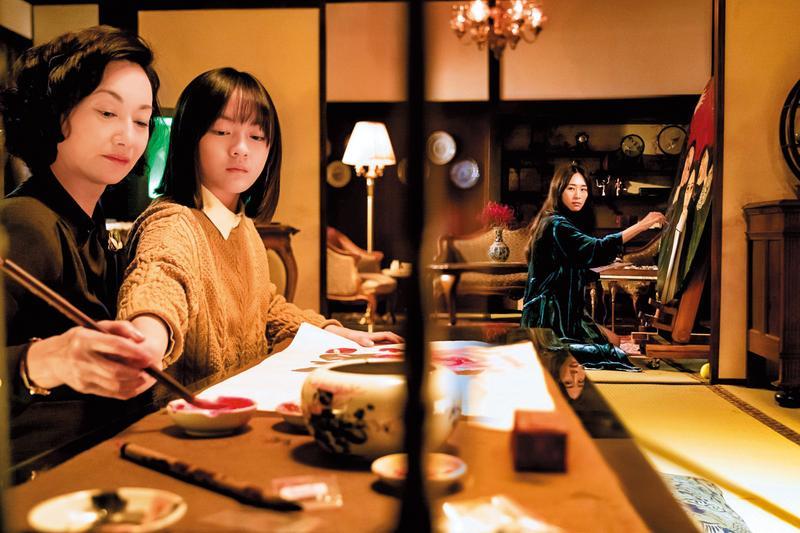 電影用「女人國」的構想重寫政商腐敗牽連,母女3人周旋於高官富商及貴婦,充滿算計與玄機。(双喜提供)