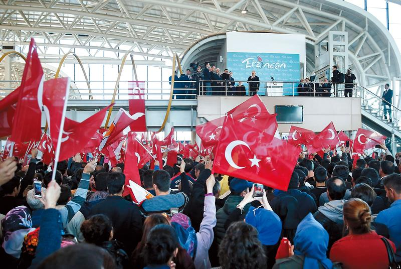 土耳其既是新興市場、又是單一國家,是波動大的基金,理論上定時定額可賺多,但多數投資人卻是殘念出場。(東方IC)