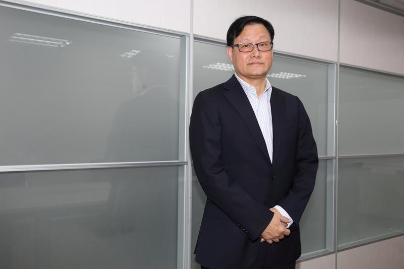 茂德機構總裁張高祥以160億元買下東森電視95%股權。