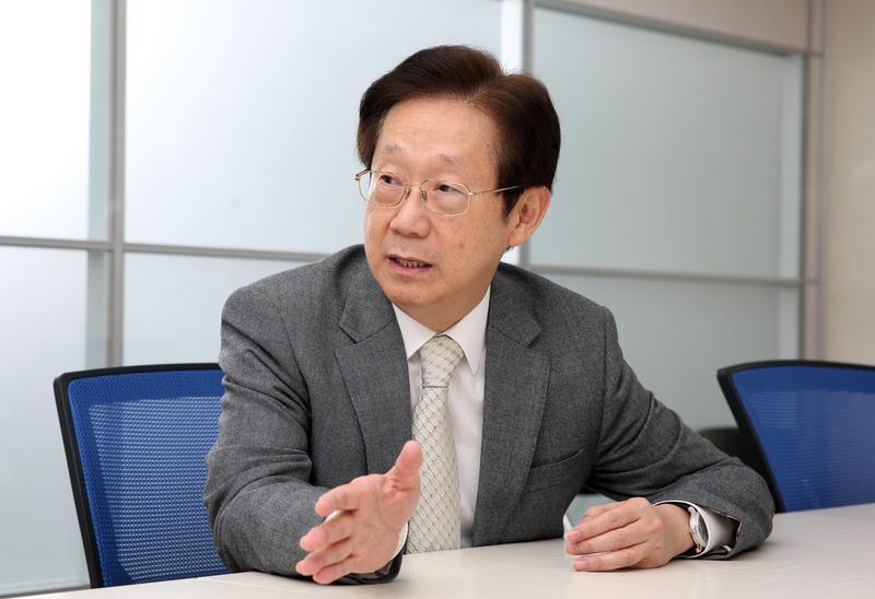 前中鋼董事長林文淵透露好友張高祥決定跨足媒體的原因。