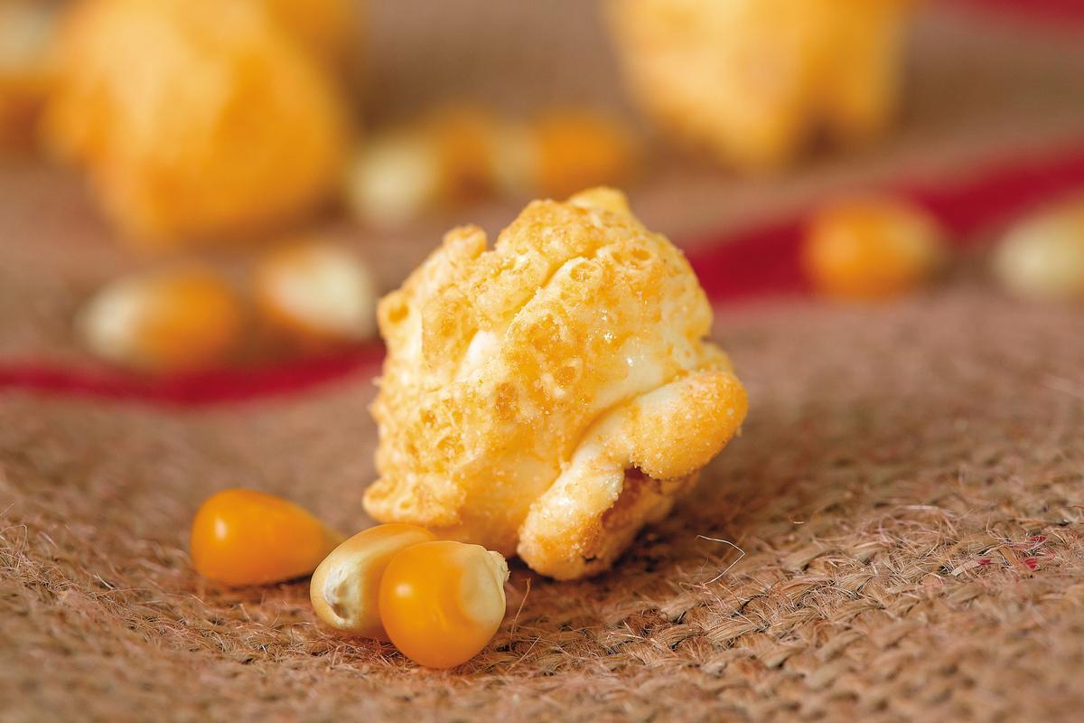星球工坊選用美國進口蘑菇型非基改玉米粒,脆度較高。