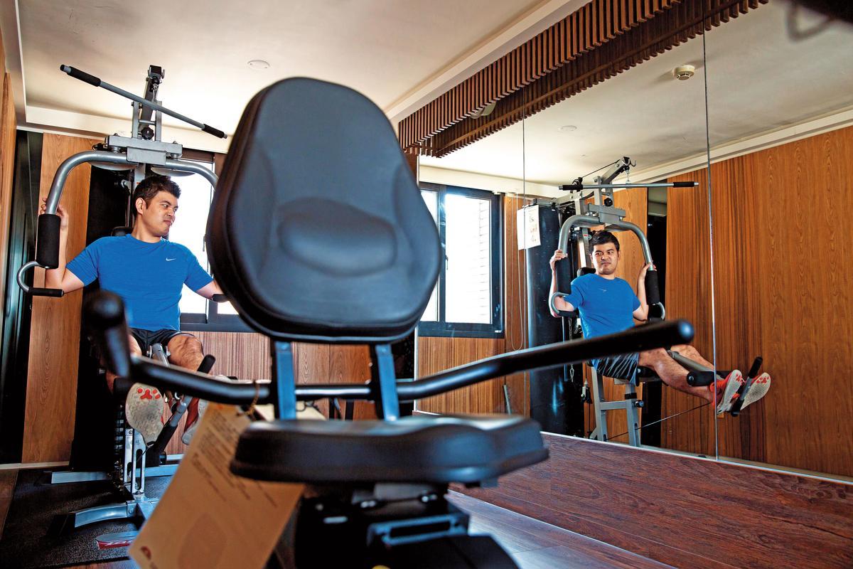 李佳祐曾為了拚事業險失去健康,復原後養成天天運動的習慣。