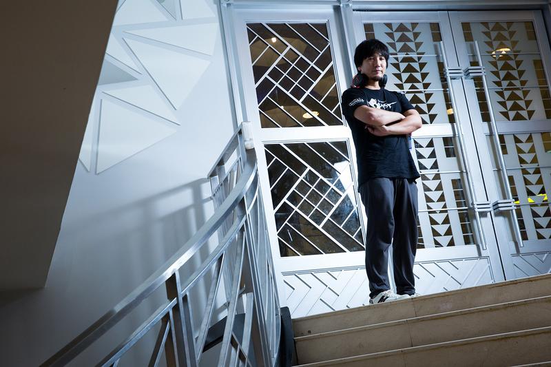 梅原大吾被視為格鬥遊戲的代名詞,17歲時就拿下第一座世界冠軍,生涯締造許多傲人記錄。