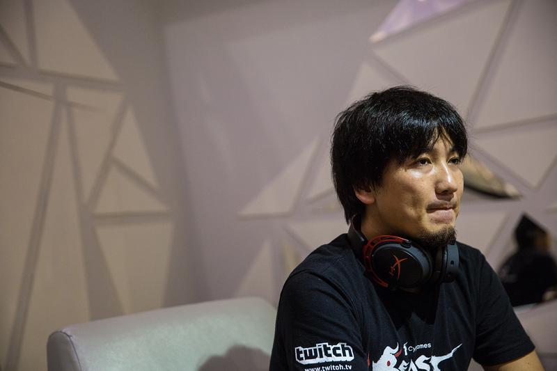 做為世界冠軍,梅原大吾仍一度感到社會對電玩的不友善;直到近年才有所改觀。