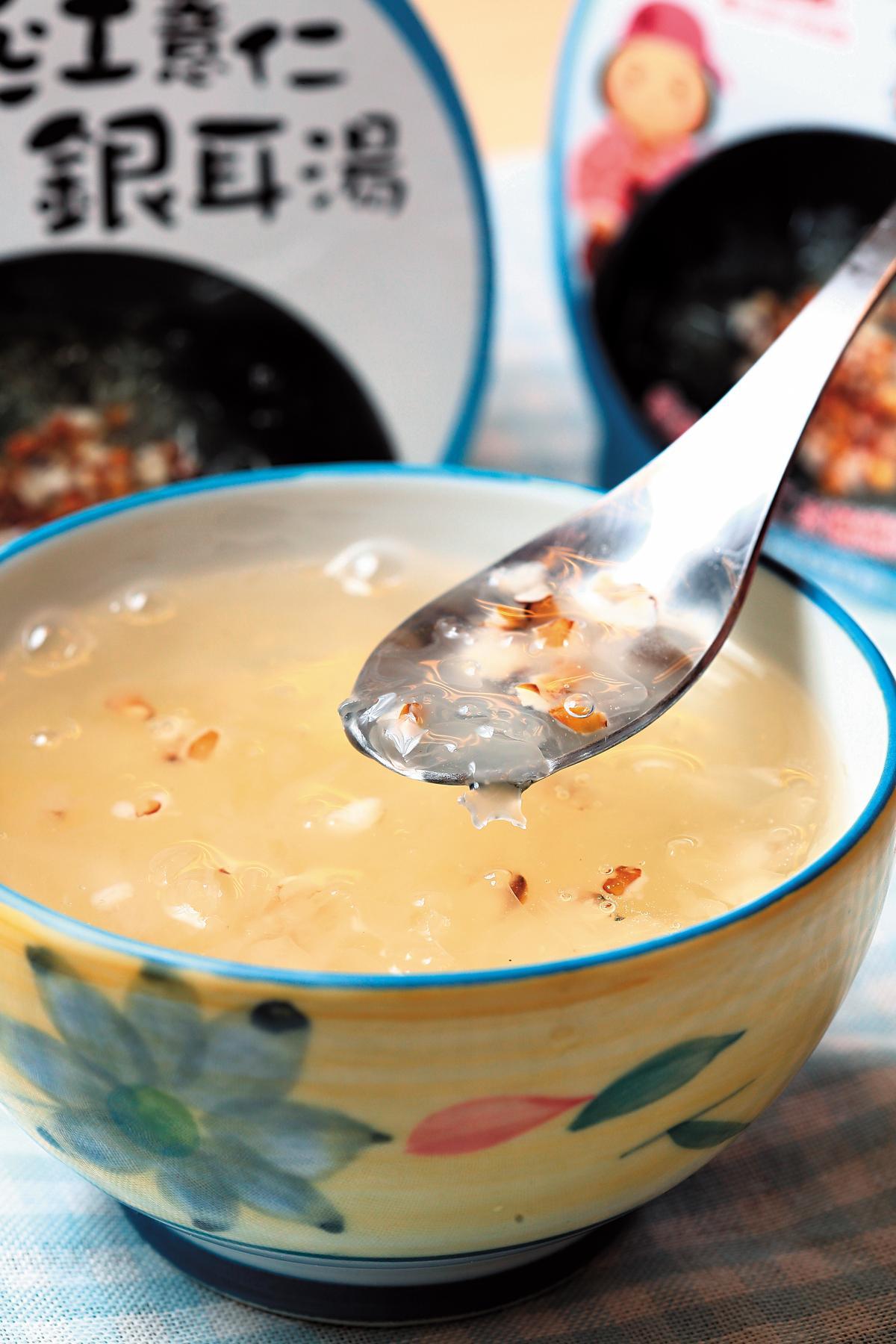 近年福記加入製作銀耳湯、紅豆湯等產品,搶攻調理食品市場。(薏仁銀耳玉露49元/碗)