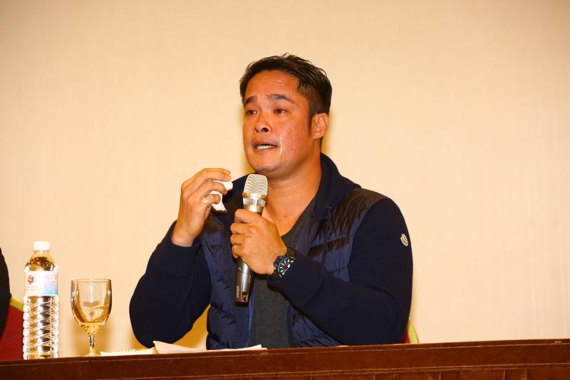 林智勝強調從沒在球場喝酒,也沒打假球,講到激動處一度哽咽流淚。