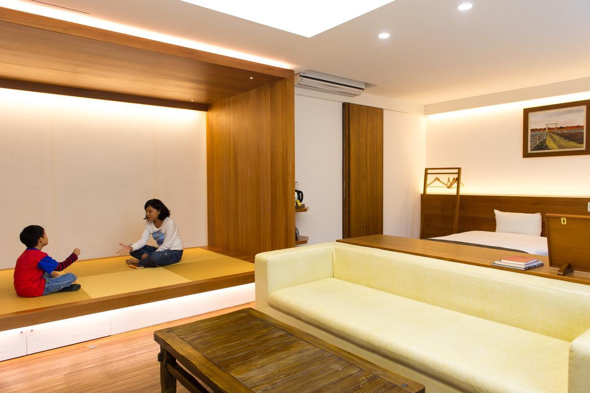 今年4月改裝完成的新客房,空間裡聞得到木頭香氣。