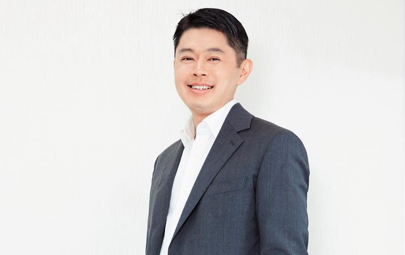 盛大集團總裁邱文友,在盛大文學董事長暨總裁任內發展全版權策略,讓線上作品成為知名IP。