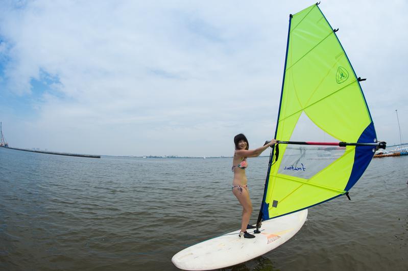 天氣好的時候,「留下旅舍」女主人Sofia也會帶客人去體驗風浪板。