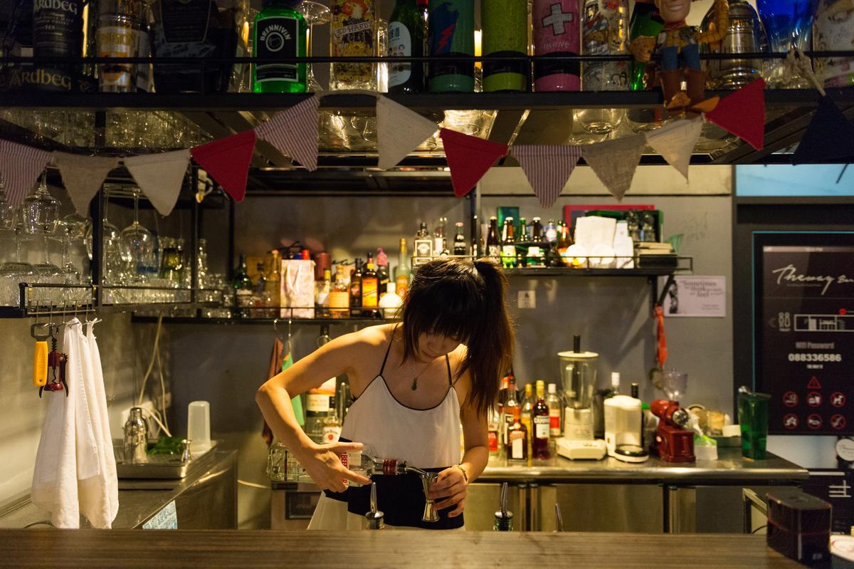 Sofia在世界各地旅遊時,還學會了調酒。