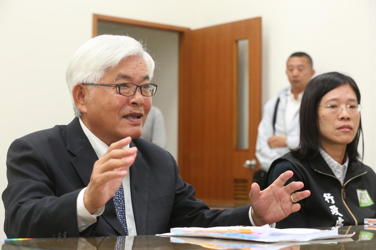雲林縣長李進勇(左)與現任立委蘇治芬、劉建國不合,恐有內部矛盾。