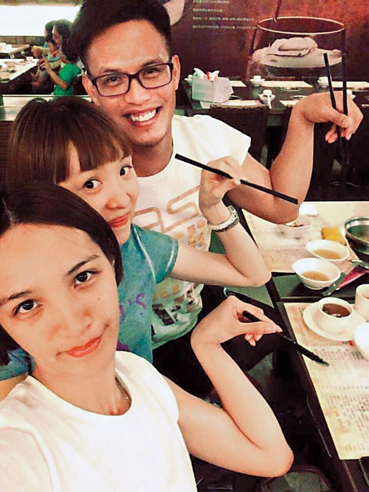 陽耀勳夫妻和陽家妹妹(前)感情也很好,會一起聚餐。