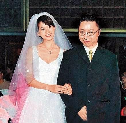 2016年夏天突然傳出,其實邱士楷一度確定準備要娶林志玲,但邱家長輩跳出來反對。( 翻攝自《中國娛樂網》)