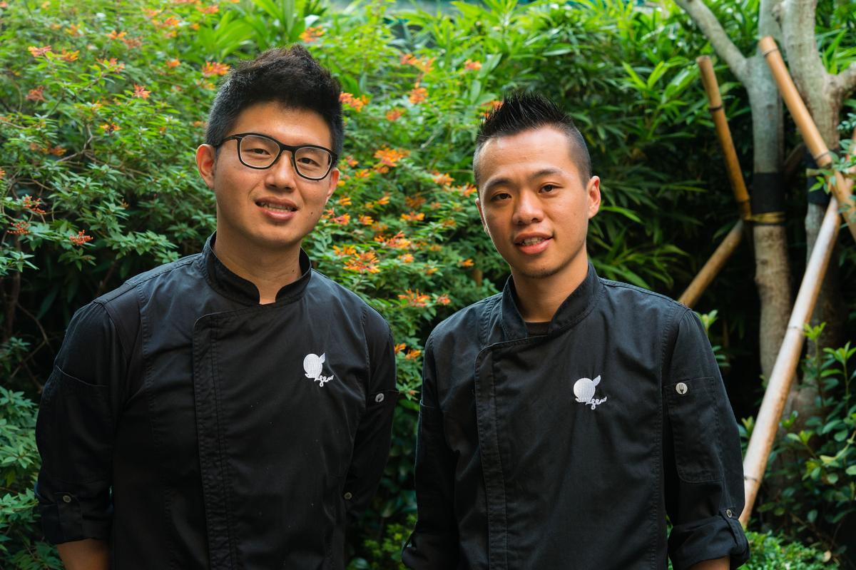 野臺繫餐酒會發起人是「英雄餐廳」主廚蕭淳元(右)和林凱維(左),他們懷抱熱愛土地及料理的熱情。