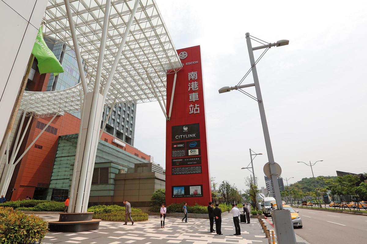 三菱地所與潤泰創新合資的南港車站大樓案,是在台灣的代表作之一。